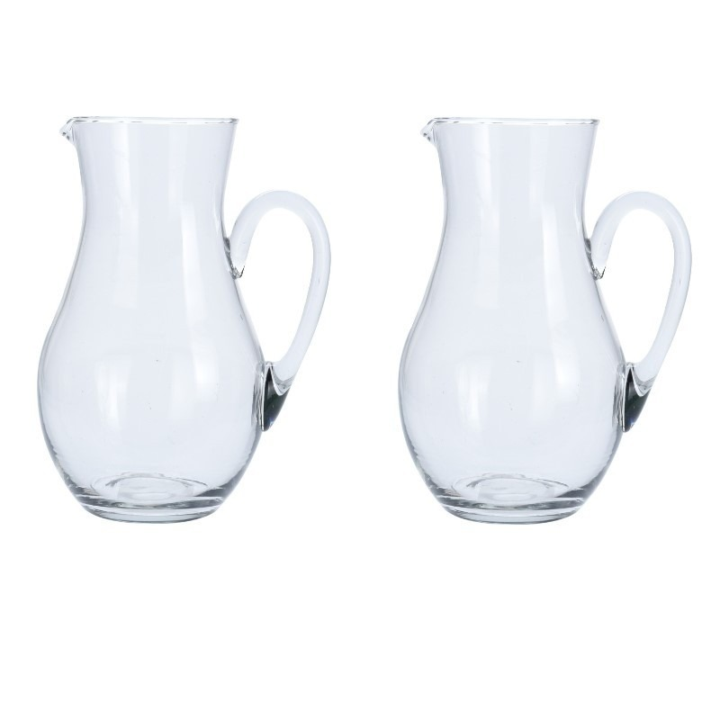 2x Glazen schenkkan van 1,5 liter.