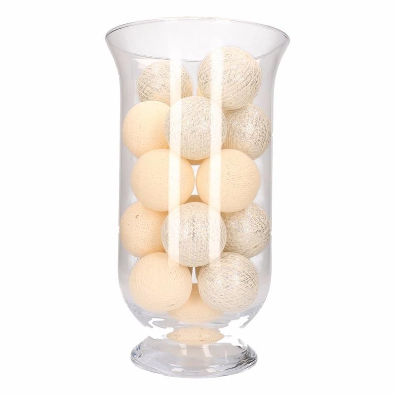 Woondecoratie witte en zilveren verlichting in vaas